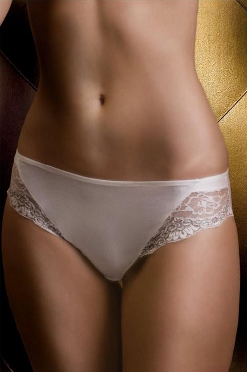 Klasické kalhotky s krajkovými légami na předním díle