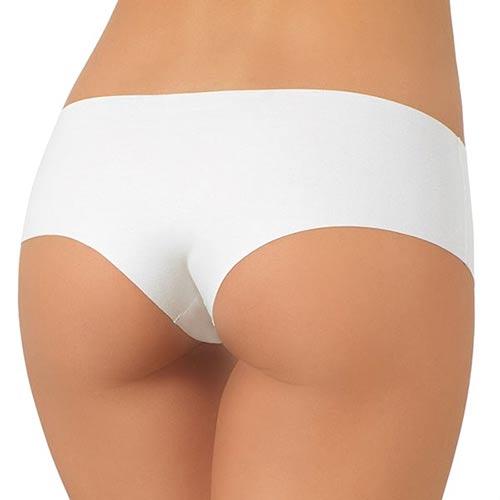 Bílé bezešvé kalhotky pod přiléhavé oblečení