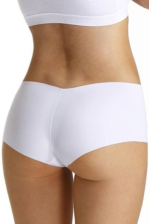 Bílé neviditelné kalhotky pod přiléhavé oblečení