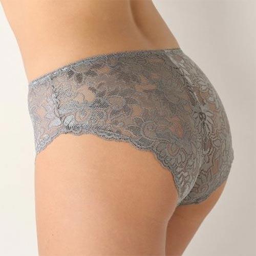 Krajkové kalhotky i pro plnoštíhlé