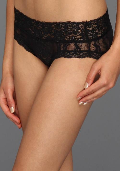 Černé šortkové celokrajkové kalhotky