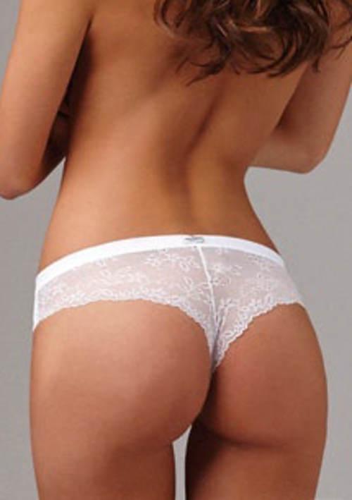 Kalhotky střihu mezi tanga a brazilkami