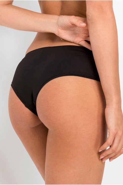 Černé krajkové brazilské kalhotky s hladkou zadní stranou
