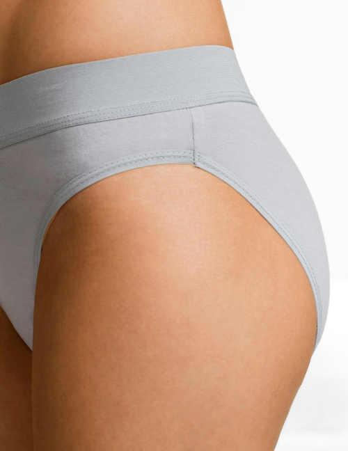 Levné dámské bavlněné kalhotky klasického střihu