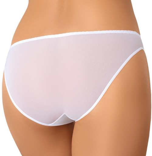Neviditelné bílé kalhotky pod společenské šaty